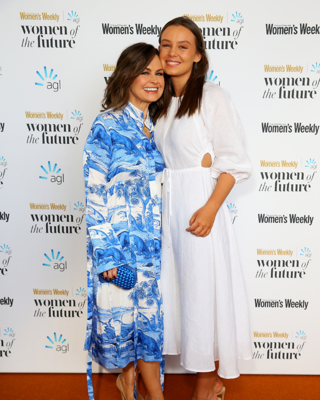 In the ultimate mother/daughter moment, Lisa Wilkinson arrives with daughter, Billi FitzSimons.