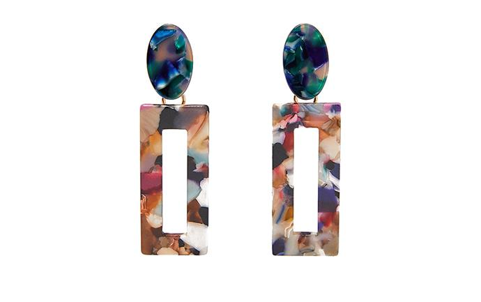 "[Zara Geometric Tortoiseshell-Effect earrings, $19.95](https://www.zara.com/au/en/geometric-tortoiseshell-effect-earrings-p01903013.html?v1=20614962&v2=1277488|target=""_blank""