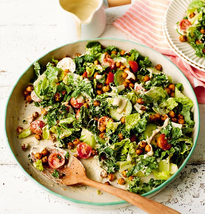 """[Caesar salad with herb-roasted chickpeas](https://recipes.vegkit.com/caesar-salad-with-herb-roasted-chickpeas target=""""_blank"""" rel=""""nofollow"""") <br><br> Crunchy little chickpeas make an excellent, nutritious alternative to croutons, while chopped kale and tomatoes give this vibrant salad a nutritious edge. Top it off with a creamy, nutty dressing for a zing of flavour."""