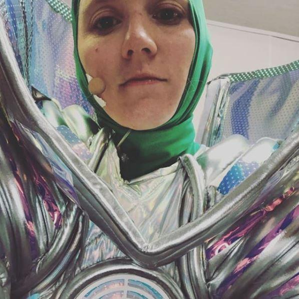 Nikki Webster - Unmasked! The singer shares a selfie in her alien costume.