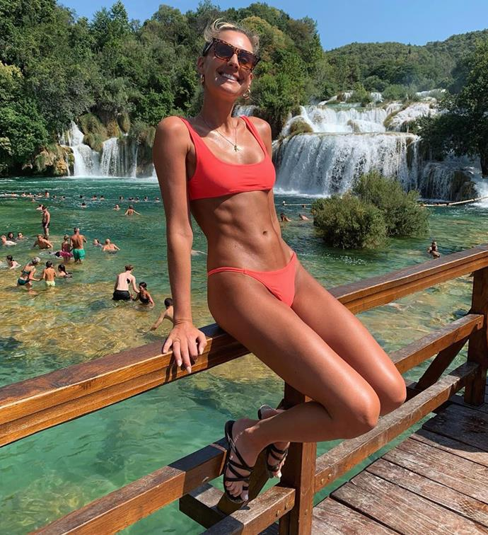 Laura shows off her insane bikini body on Instagram.