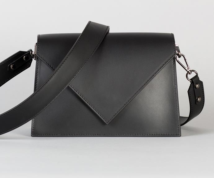 The sellout Claire bag.