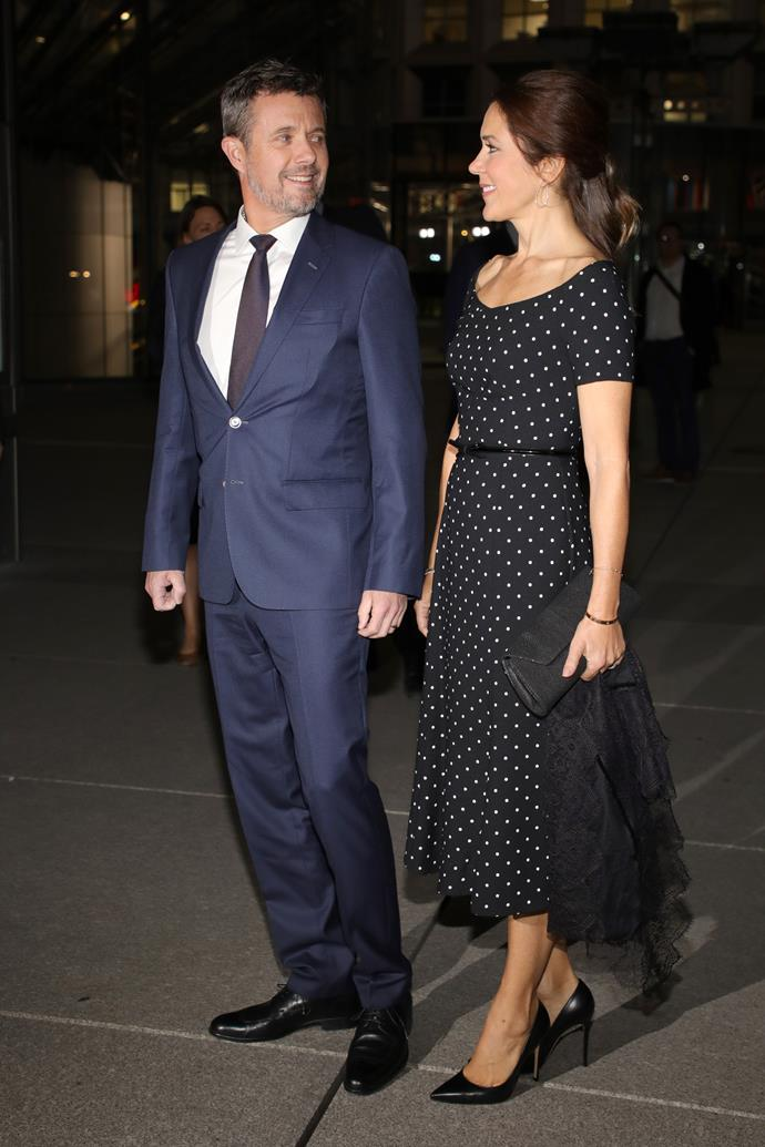 She followed up a stunning start to the Parisian tour by wearing a gorgeous polka dot number later that evening. Frederik couldn't keep his eyes off her!