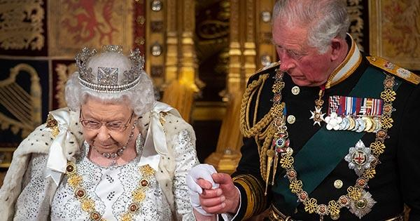 Queen Elizabeth omits crown at Opening of Parliament | Australian Women's Weekly