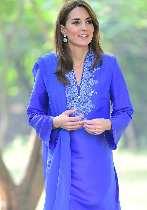 "During the first morning of their tour, Kate opted to wear a [beautiful purple kurta](https://www.nowtolove.com.au/royals/british-royal-family/kate-middleton-pakistan-diana-kurta-59768|target=""_blank""), which is a traditional outfit worn by both men and women in a number of South-Asian countries."