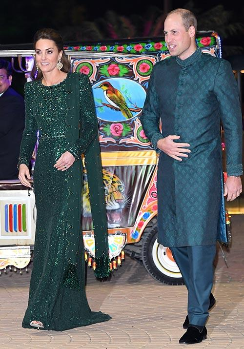 Wills was also dressed to perfection, wearing a traditional sherwani in a teal shade that perfectly complimented his wife's eye-catching ensemble.