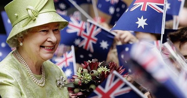 The Queen's heartwarming message to Australian bushfire victims | Australian Women's Weekly