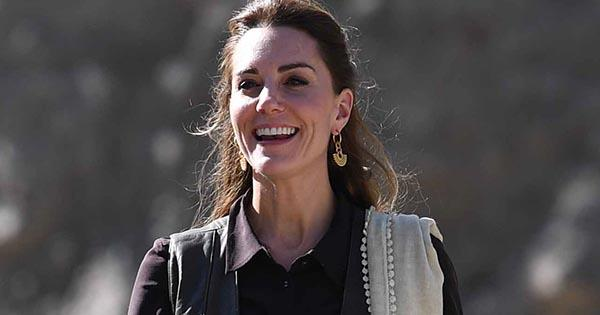 Kate Middleton's shirt dress in Pakistan stumps fans | OK! Magazine
