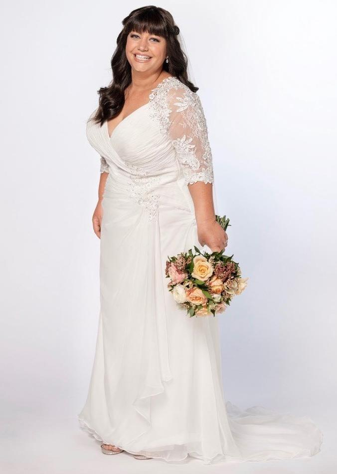 Briannan tried on this wedding dress for a special photoshoot after she lost her weight.