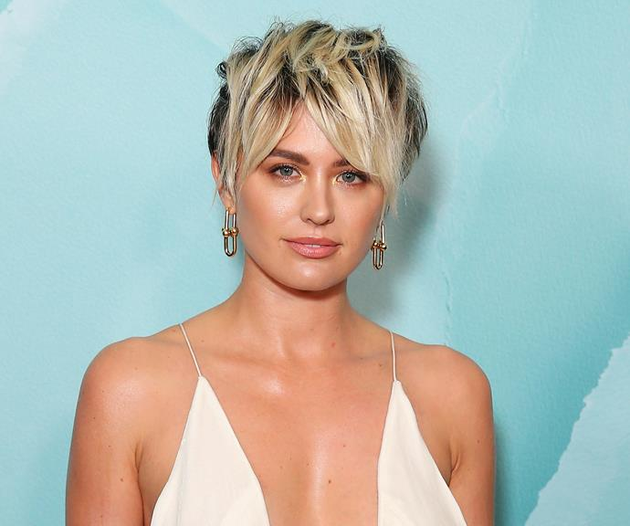 Jesinta pictured pre-pregnancy at a Tiffany and Co event last year, showing off her awesome edgy blonde haircut.