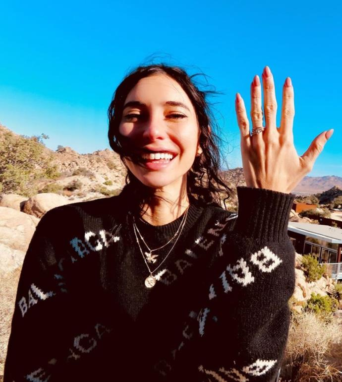 Jess proudly flashed her ring on her personal Instagram channel.