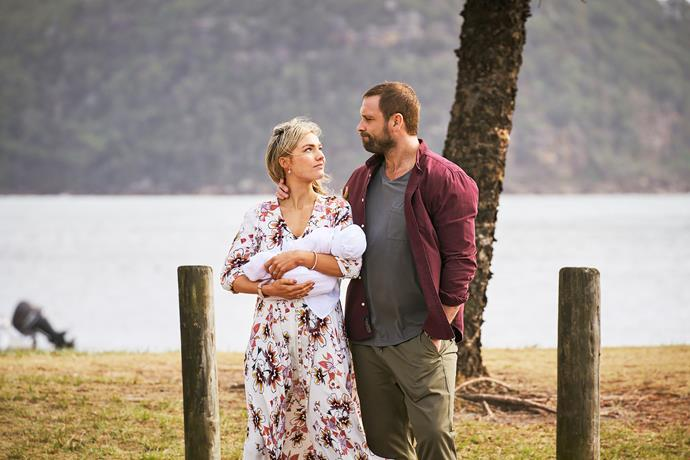Are Jasmine and Robbo leaving the bay?