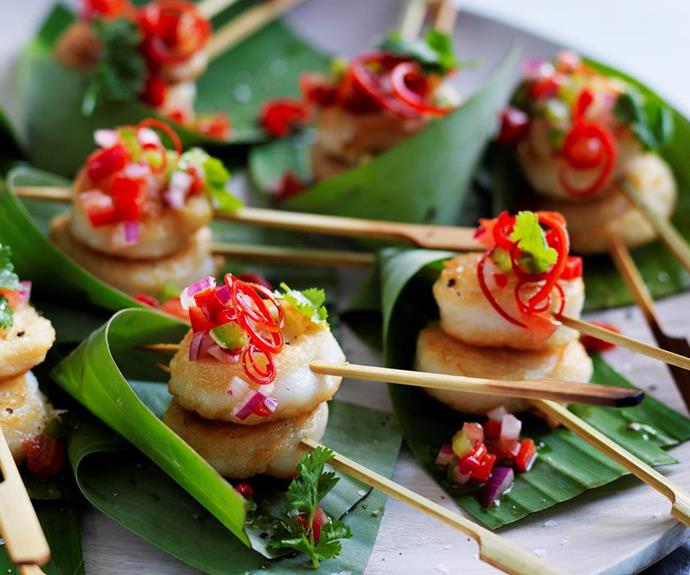 "**Fish scrolls with capsicum salsa** <br><br> These delicious fish scrolls are beautiful topped with a zesty capsicum salsa - healthy, fresh and super tasty! They make the perfect finger food for a Christmas dinner party. <br><br> *See the full Australian Women's Weekly recipe [here](https://www.womensweeklyfood.com.au/recipes/fish-scrolls-with-capsicum-salsa-28733|target=""_blank""