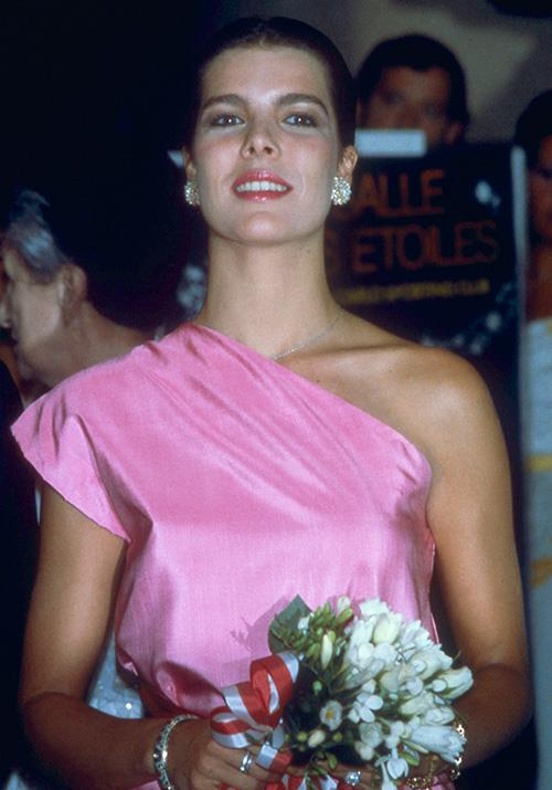 And indeed as she kicked off the 1980s, Caroline embraced the buzz colour of the time with this one-shouldered delight.