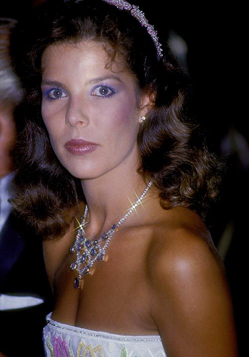 For the 1985 Red Cross Ball, Caroline wore a get-up worthy of any 80s-themed party nowadays. She was literally glittering!