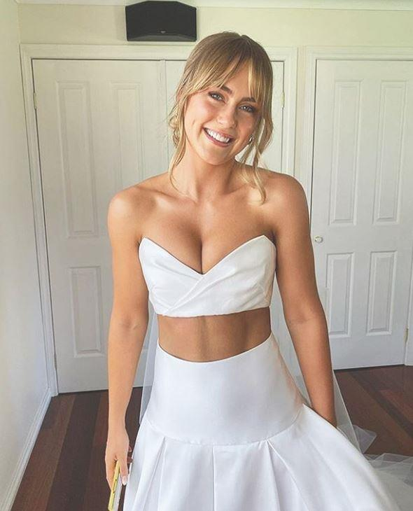 Steph opted for an very unique design for her big day.