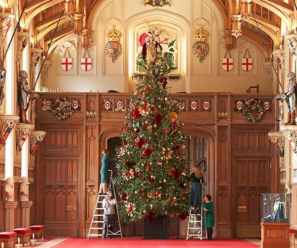 The tree is up at Windsor Castle! The Queen may spend the silly season at Sandringham, but they need to *Deck The Halls* of all the royal residences.