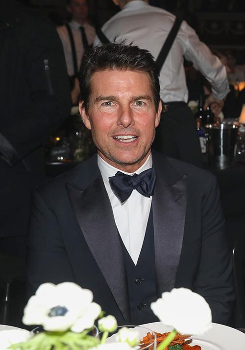 Tom Cruise also paid a visit to the fashionable night - he looked super dapper in a bow tie and tux.