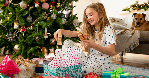 The 'four gift' Christmas rule that's gone viral | Now To Love