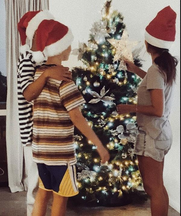 **Pia Miller** <br><br> Actress Pia Miller shared her family's December 1 tradition - putting up the Christmas tree with her sons. Cute!