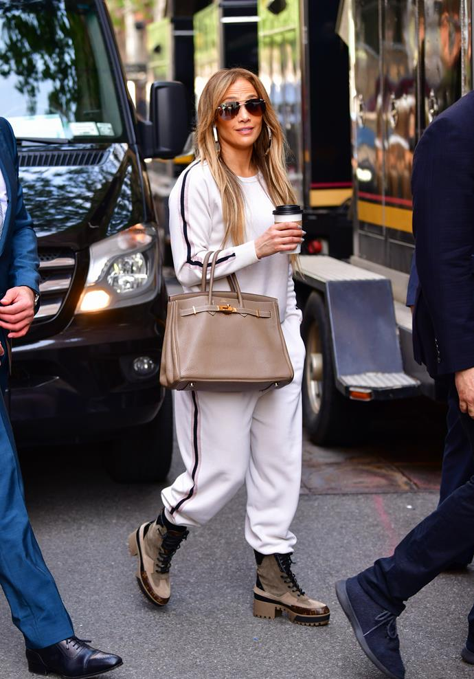 Jennifer Lopez has well and truly nailed the art of making a lounge pant look fashionable.
