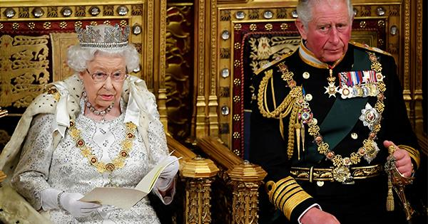 Is the Queen stepping down from the throne age 95? Inside the wild rumour | Now To Love