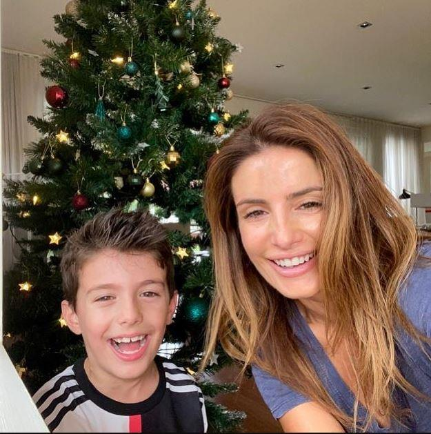 *Home and Away*'s Ada Nicodemou was given the mammoth task of organising a class present for son Johnas' teacher. We are loving their Christmas tree!
