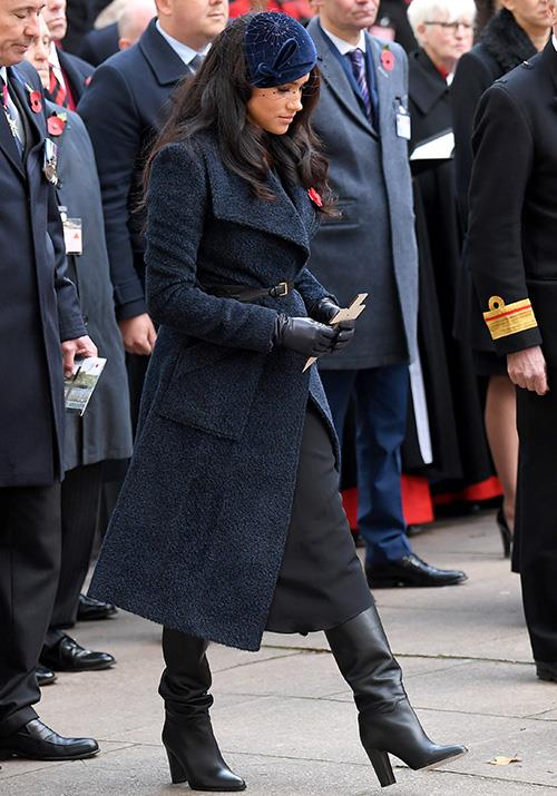 "In November, Meghan attended the [91st Field of Remembrance](https://www.nowtolove.com.au/royals/british-royal-family/meghan-markle-teddy-coat-60178|target=""_blank"") at Westminster Abbey ahead of the Remembrance Day commemorations in London. While temperatures warmed up back home here in Australia, there was no denying that London was cooling down. The Duchess rugged up in this chic teddy coat by Sentaler. She paired the look with black Tamara Mellon boots."