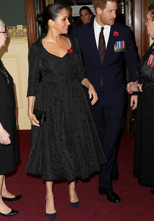 That weekend, the Duchess attended the Festival of Remembrance at Royal Albert Hall in a beautiful black jacquard dress by Erdem. Heaven!