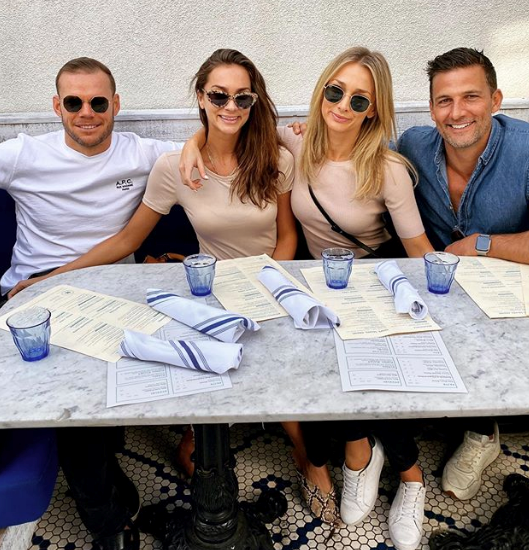 And it was a cool and casual affair for OG Bachie couple Anna Heinrich and Tim Robards, who spent the day with Anna's family in LA.