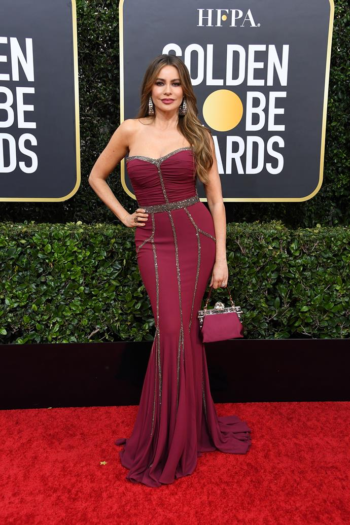 Colombian-American beauty Sofia Vergara is ravishing in this red-maroon ensemble.