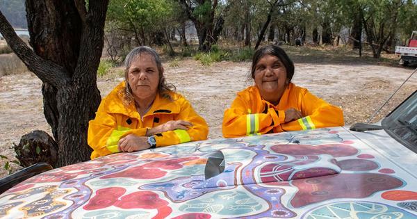 Meet the Aussie all-female Indigenous firefighting crew   Australian Women's Weekly