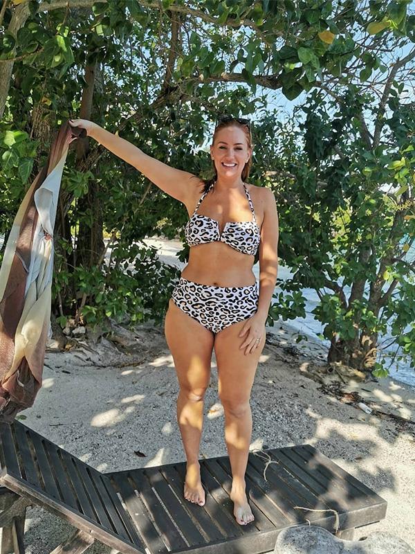 Jules shows off her brand new bikini body.