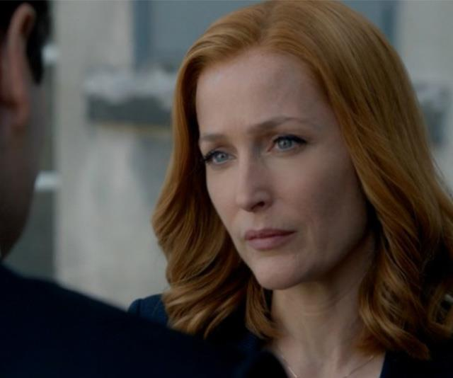 Gillian's character Scully still sported her classic red hair, but this time in a longer lob.