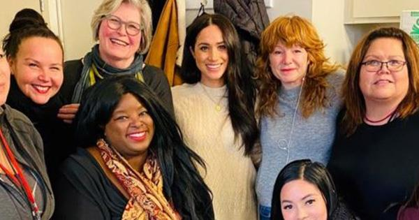 Meghan Markle pictured visiting women's centre in Vancouver | Australian Women's Weekly