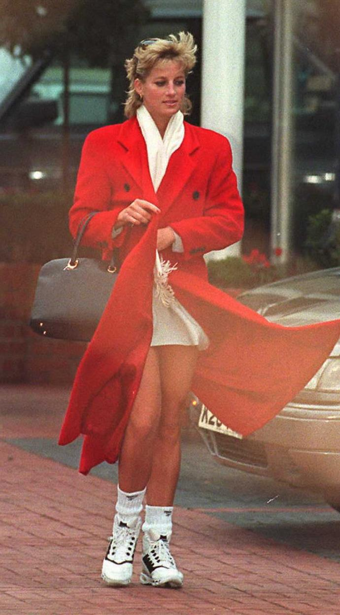 Just casually flinging a midi-length coat over gym gear is something only Diana could truly pull off.