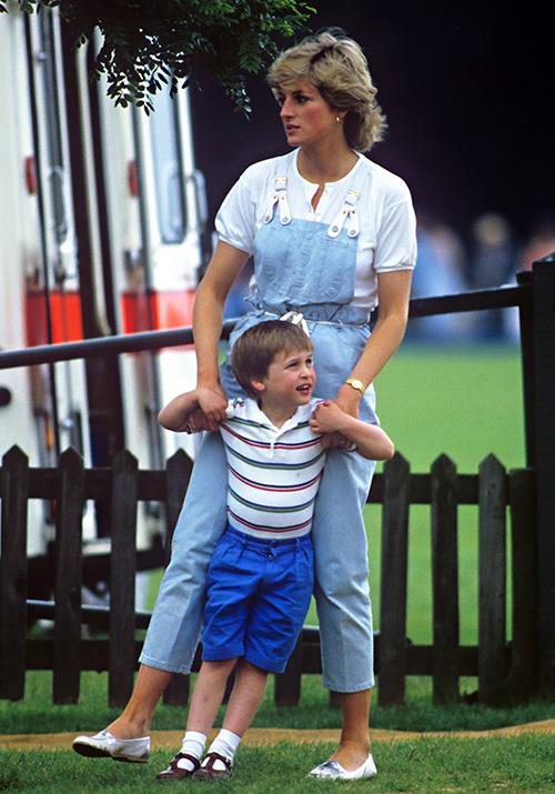 In 1987, Diana went back to her old trusty style, wearing denim dungaree's as she and a young William watched Prince Charles play polo.