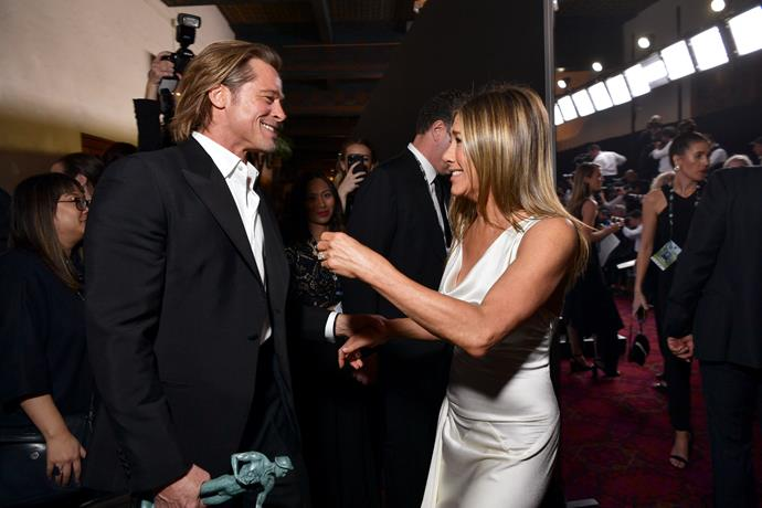 A picture of Brad Pitt and Jennifer Aniston at the SAG Awards has sent the internet into meltdown.