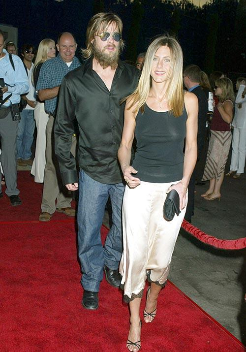 Attending *The Good Girl* film premiere, Jen was a 90s and 00s goddess. Brad? Well... he kind of tried.