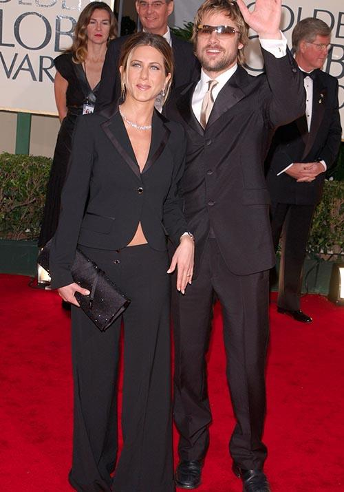 At it again with the matching, the 2001 Golden Globes were a pant-clad spectacle on both parts.