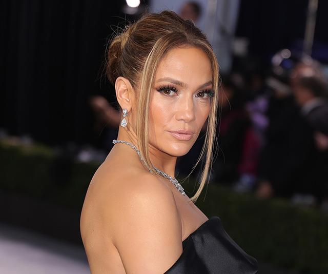 "**Jennifer Lopez** <br><br> ""No alcohol, coffee or late nights"" is J.Lo's secret to health and happiness. <br><br> ""I think it [alcohol] ruins your skin,"" she told *[InStyle](http://www.instyle.com/celebrity/sober-stars-dont-drink-alcohol#2852232