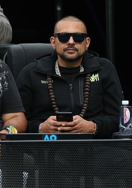 And now for something a little unexpected, rapper Sean Paul was also spotted watching the Nadal / Kyrgios  match (in between checking up on Instagram, of course). The singer is in town to perform alongside fellow singer Shaggy.