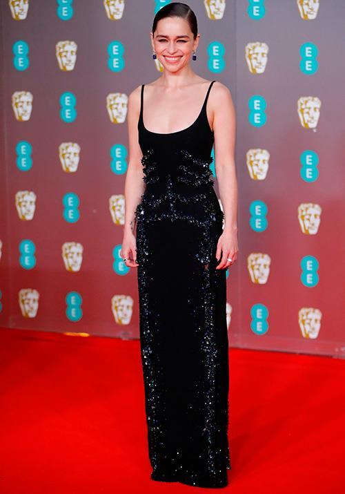 Emilia Clarke was cool and classy in a slimline Schiaparelli Haute Couture gown.