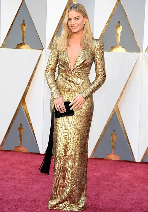 And then came Margot. The down-to-earth Queenslander opted for a golden Tom Ford design that left us spellbound in 2016.