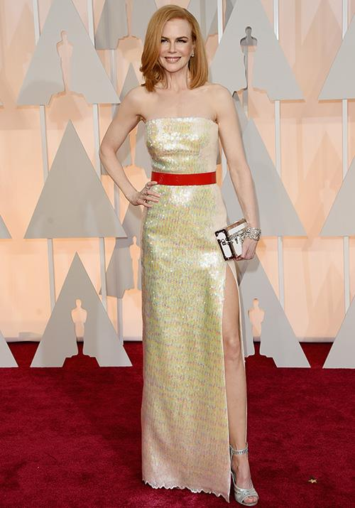 Back to our gal Nicole! The red-headed beauty was the ultimate golden siren in this Louis Vuitton number.