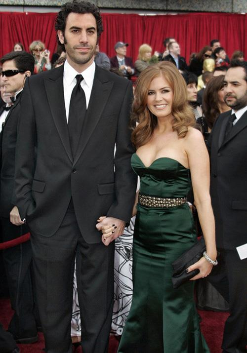 In 2007, funny guy Sacha Baron Cohen attended the event alongside our fellow Aussie Isla Fisher, who stunned in a mossy green Monique Lhuillier dress.