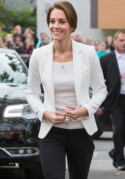 During a tour of Canada that same year, Kate added this chic Zara blazer to finish her smart-casual ensemble. Costing AUD $191, it was worth every penny!