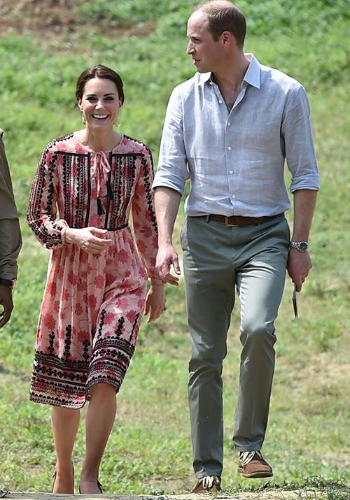 During a tour of India in 2016, Kate wore a pretty smock dress from Topshop, worth AUD $140.