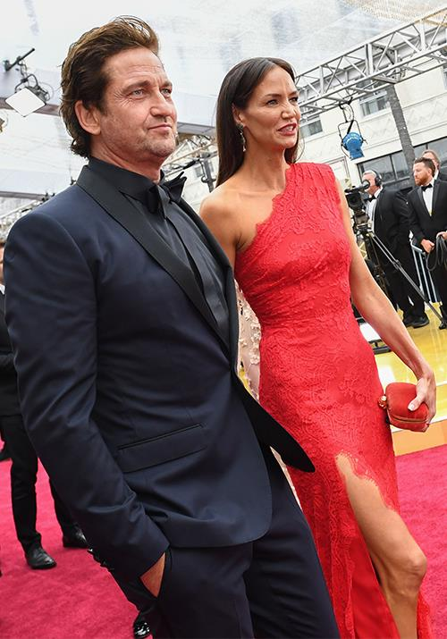 US actor Gerard Butler and his stunning girlfriend Morgan Brown oozed class as they made their way into the glamorous event.