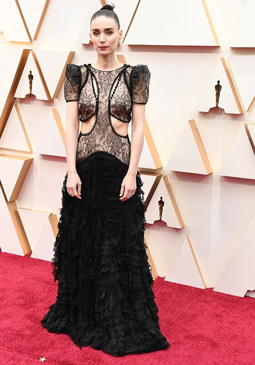 Rooney Mara epitomises dark glamour, and pulls it off seamlessly as per usual.